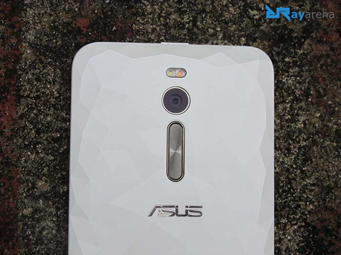 Asus Zenfone 2 Deluxe build quality